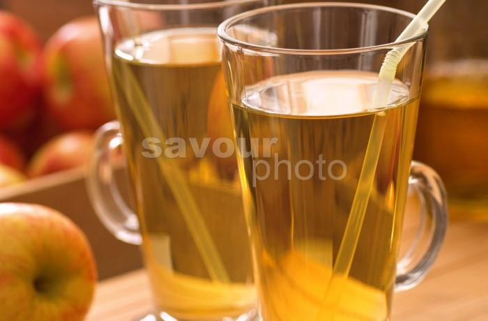 Apple Juice (vertical)